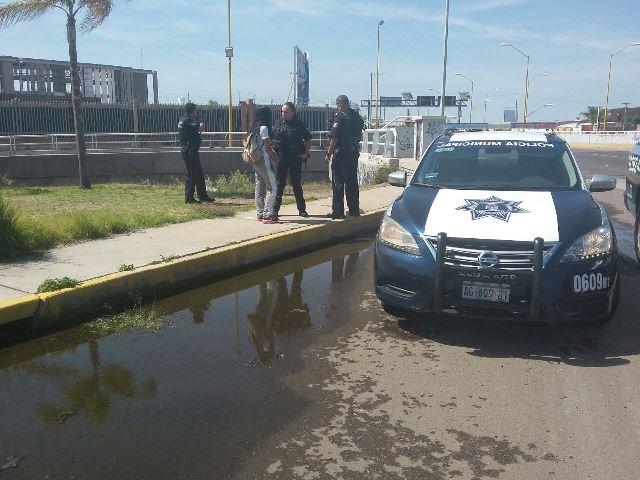 ¡Desesperada jovencita intentó suicidarse arrojándose de un puente en Aguascalientes!