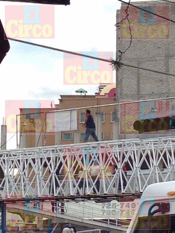 ¡Policías y socorristas evitaron que un hombre se suicidara en San Juan de los Lagos!