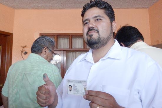 ¡Iván Sánchez Nájera acudió a votar e hizo un llamado a la ciudadanía a que realicen su acto democrático!