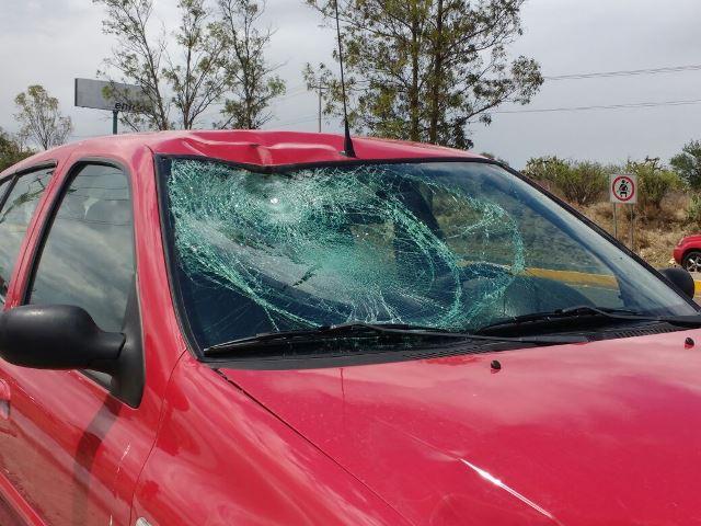 ¡Grave ciclista embestido por un automovilista en Aguascalientes!