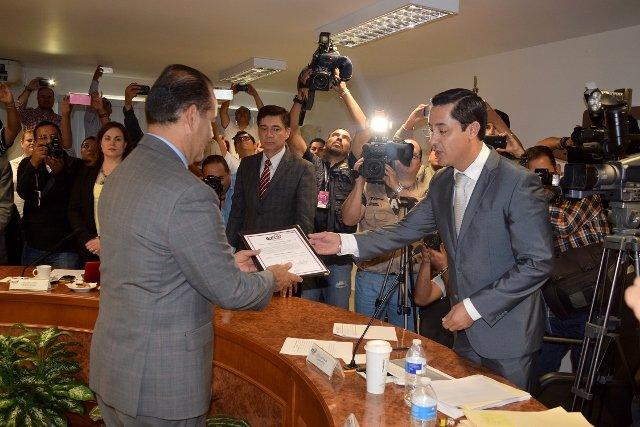 El IEE Entrega Constancia de Mayoría a Martín Orozco Sandoval como Gobernador Electo de Aguascalientes