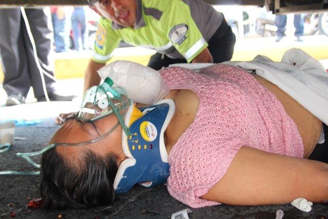 GALERIA/MUJER MURIÓ ATROPELLADA Y APLASTADA POR UN CAMIÓN URBANO EN AGUASCALIENTES