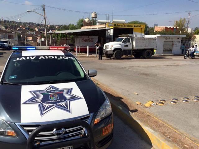 ¡Peatón murió atropellado por un camión de volteo en Aguascalientes!