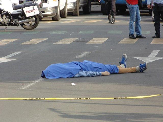 ¡Joven que participaba en marcha gay murió atropellado en Aguascalientes!
