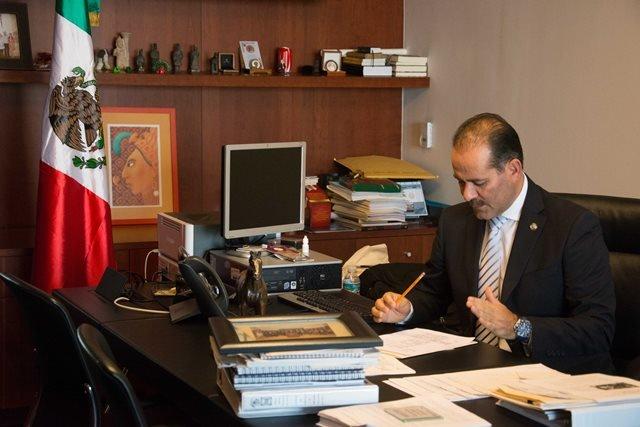 ¡Recibe Martín Orozco Sandoval llamada de felicitación del Presidente Enrique Peña Nieto!