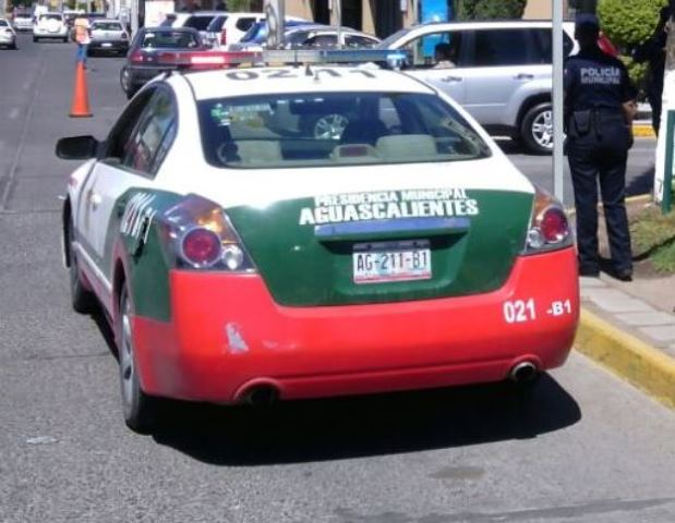 ¡Timadores despojan de $10 mil a pareja de ancianitos en Aguascalientes!
