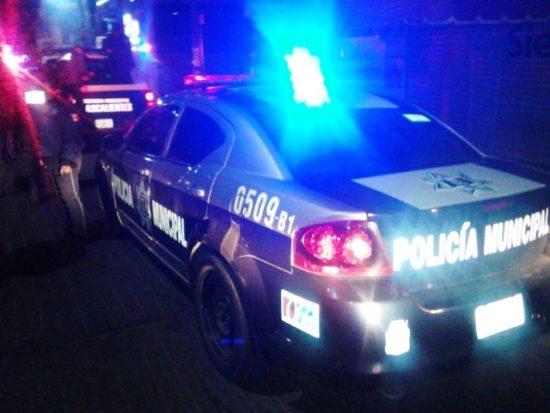Sufre taxista violento asalto a manos de dos delincuentes