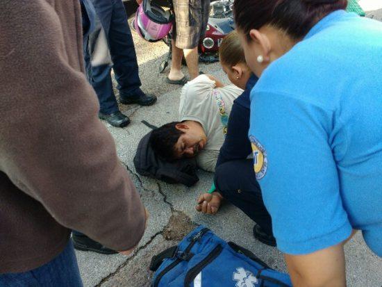 Termina herido un motociclista en aparatoso choque