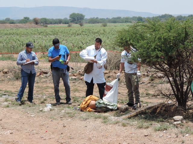 GALERIA/FATAL VOLCADURA DE UNA CAMIONETA EN AGUASCALIENTES: 1 MUERTO Y 2 LESIONADOS