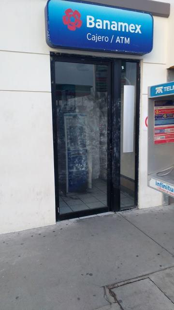 ¡Pistoleros tomaron por asalto una gasolinera y vaciaron cajero de Banamex en Aguascalientes!