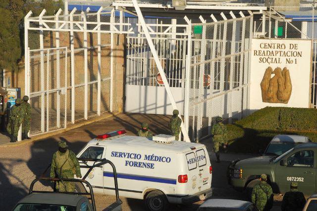 ¡2 internos del CERESO de Durango se asesinaron mutuamente a puñaladas!