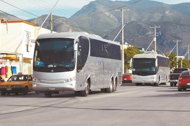 """¡Capturaron a 6 """"polleros"""" de Aguascalientes y SLP transportando 103 migrantes!"""