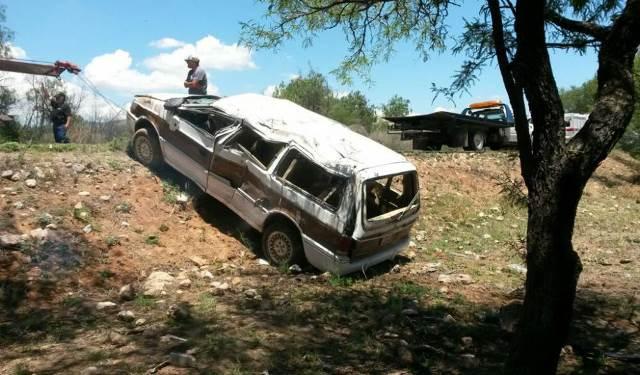 ¡7 aguascalentenses lesionados tras aparatoso accidente en Ojocaliente, Zacatecas!