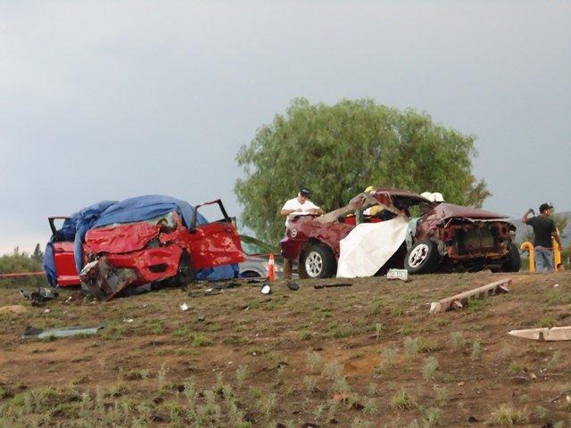 ¡7 muertos en brutal choque entre 2 automóviles en Aguascalientes!