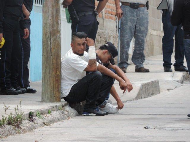 ¡Mesero de la zona de tolerancia de Aguascalientes fue apuñalado y baleado!