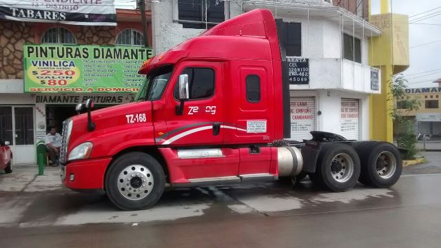 ¡Asaltaron a un trailero en Zacatecas y lo dejaron abandonado en Aguascalientes!