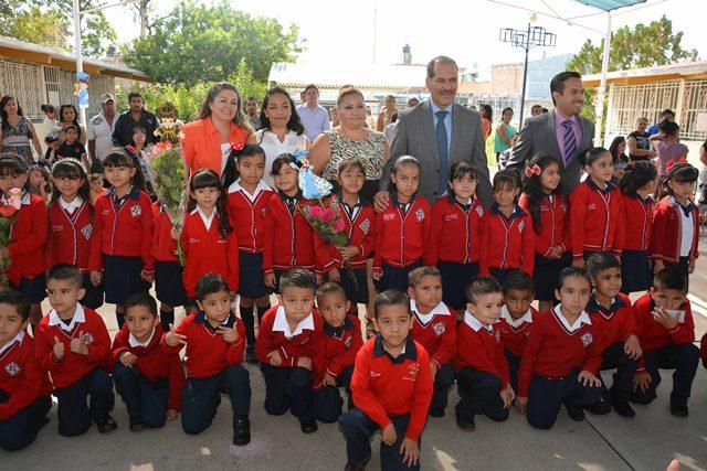 ¡Gobierno, maestros y padres de familia en sinergia para lograr una formación integral!