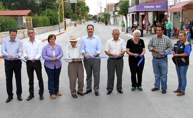 ¡Gobierno Municipal concluye pavimentación en céntrica calle!