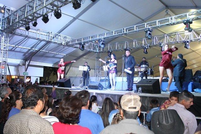 ¡Con lleno total se presentó La Sonora Dinamita en la Feria de los Chicahuales!