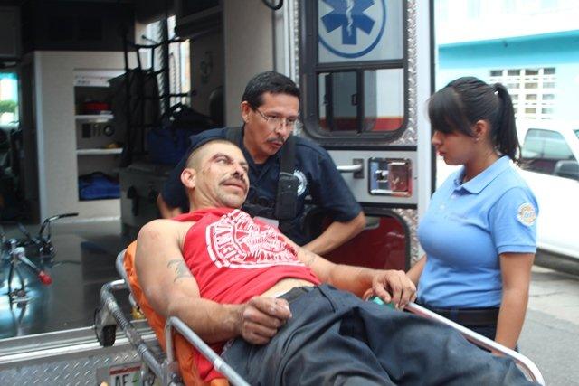 ¡Drogadicto resultó lesionado tras una caída al pretender golpear a su esposa en Aguascalientes!