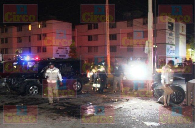 ¡1 muerto y 5 lesionados tras choque entre camioneta y auto en Fresnillo!