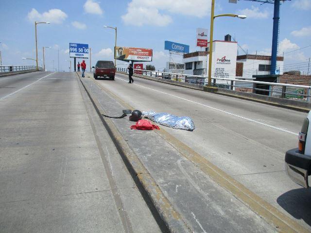 ¡Ex policía municipal de Aguascalientes murió tras accidentarse en su motocicleta!