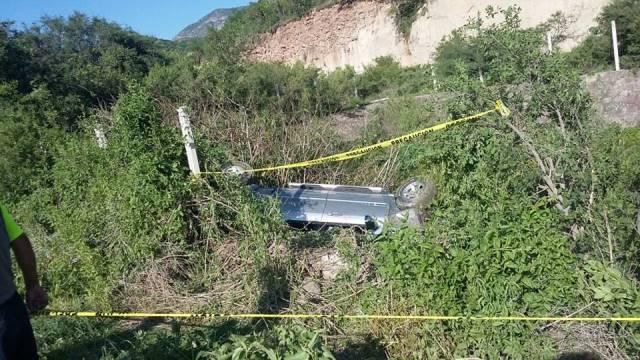 ¡Volcadura de un auto en Aguascalientes dejó 1 muerto!