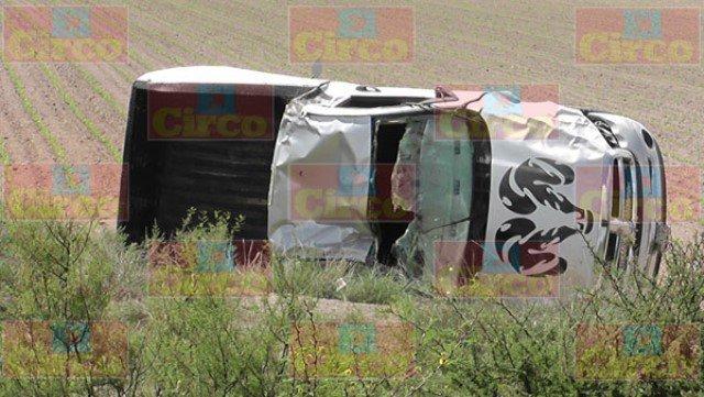 ¡Volcadura de camioneta en Fresnillo dejó 1 muerto y 1 lesionado!