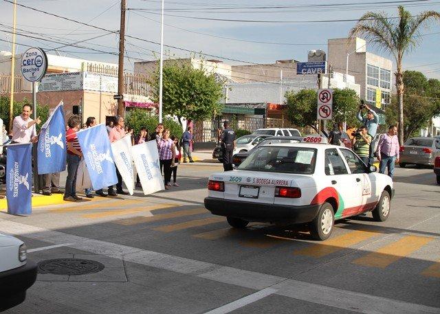 ¡Inaugura el alcalde Juan Antonio Martín del Campo obras de pavimentación en Quinta Avenida!