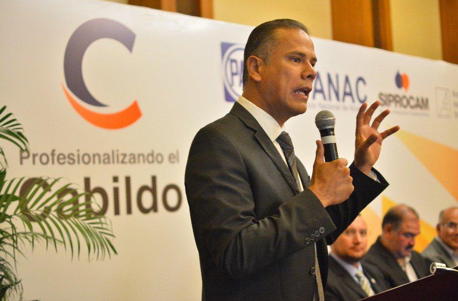 ¡Participa Antonio Arámbula en capacitación de la ANAC a nuevos ediles!
