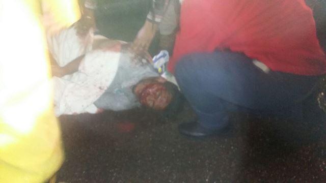 ¡4 jóvenes lesionados tras la volcadura de un auto en Aguascalientes!