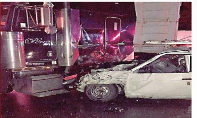 ¡5 muertos y 2 lesionados graves tras fuerte accidente en Zacatecas!