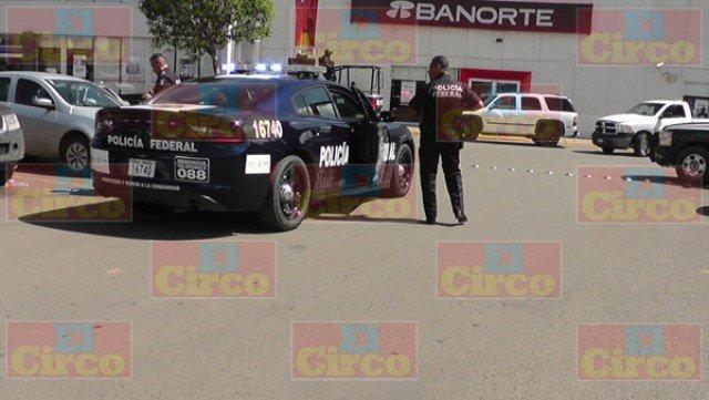 ¡Sujetos armados asaltaron el banco Banorte en Fresnillo!