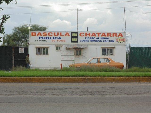 ¡A punta de pistola asaltaron una chatarrera en Aguascalientes!
