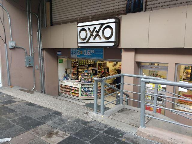 ¡Increíble: asaltaron un OXXO junto a Palacio de Gobierno en Aguascalientes!