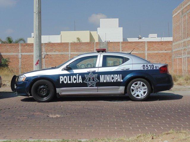 ¡Sujeto vestido de mujer asaltó una farmacia en Aguascalientes!
