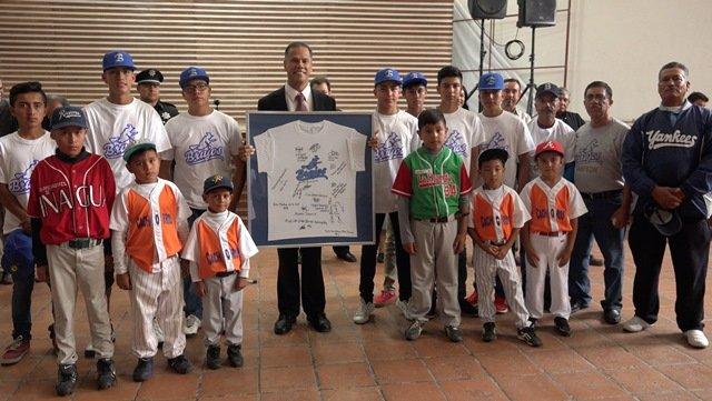 ¡Reconoce Municipio de Jesús María a campeones nacionales de béisbol!