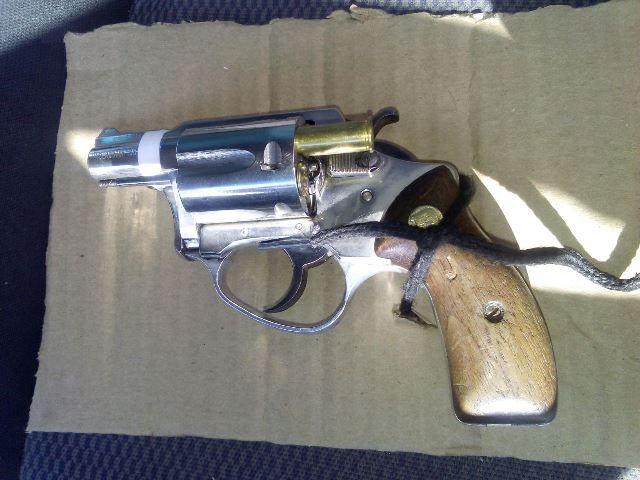 ¡Reincidente delincuente fue detenido en Aguascalientes con un arma de fuego y droga!