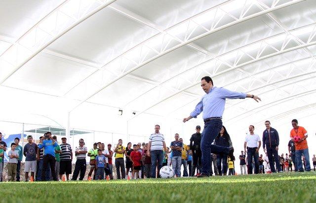 ¡El alcalde Juan Antonio Martín del campo entregó a vecinos del oriente nueva infraestructura deportiva!
