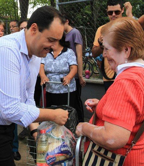 ¡Coadyuva Gobierno Municipal a mejorar la alimentación de familias en situación precaria!