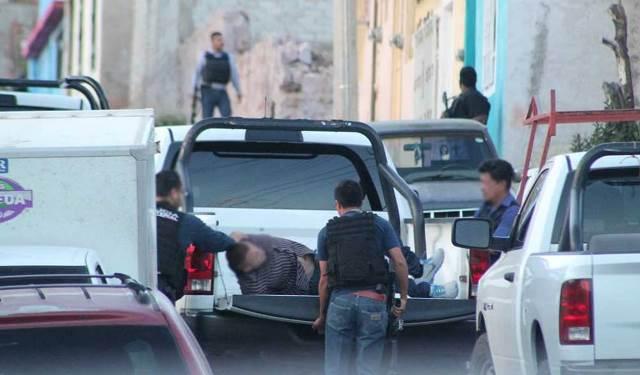 ¡Tras balacera, elementos de la METROPOL liberaron a 3 secuestrados y capturaron a 6 plagiarios en Guadalupe, Zacatecas!