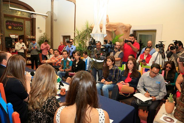 GALERIA/CONCLUYE EN AGUASCALIENTES GIRA PROMOCIONAL DE FENAZA 2016