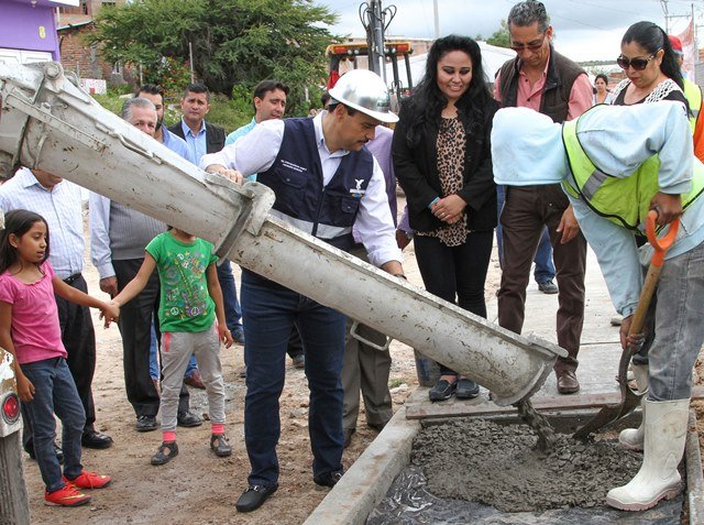 ¡Histórica inversión en infraestructura vial en el fraccionamiento Los Pericos!