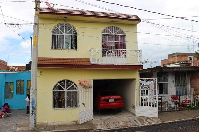 ¡Autoridades ministeriales recuperan auto robado tras cateo domiciliario en Aguascalientes!