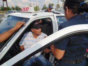 2-lesionados-choque-ambulancia-vs-taxi-independencia-y-ldc-4