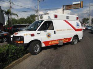 2-lesionados-choque-ambulancia-vs-taxi-independencia-y-ldc-6