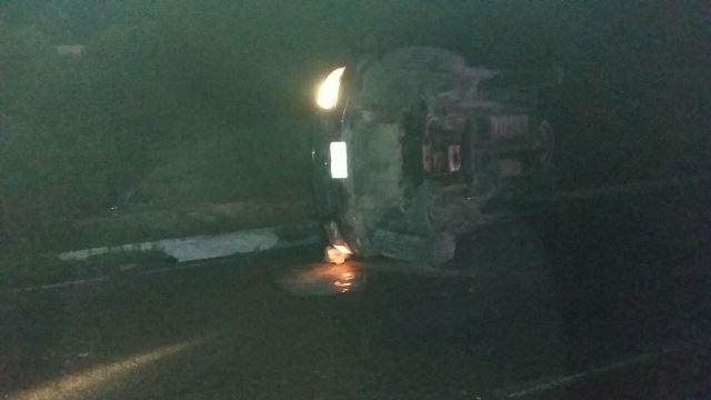 ¡2 muertos y 1 lesionado tras la volcadura de una camioneta en Aguascalientes!