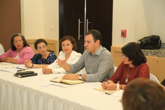 ¡Alejandro Tello y la Red Plural de Mujeres acuerdan construir agenda que propicie la igualdad y la equidad de género!