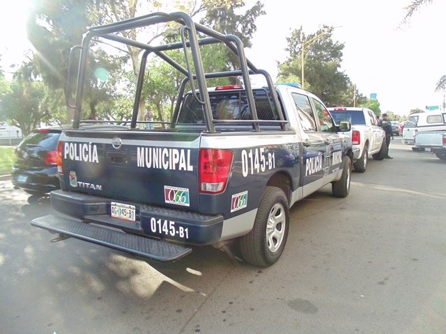 ¡Asaltante de bicicleta atracó a 2 estudiantes a punta de pistola en Aguascalientes!