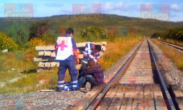 ¡Hondureño lesionado tras caer del tren en Lagos de Moreno!